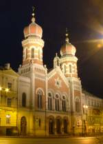 Exterior of the great syanagogue at night